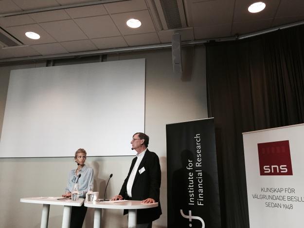 Googles chefsekonom Hal Varian och Swedbanks chefsekonom Anna Felländer vid SNS/SIFR-seminarium