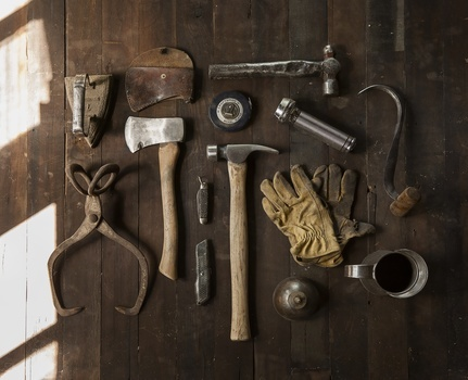 construction-work-carpenter-tools-medium