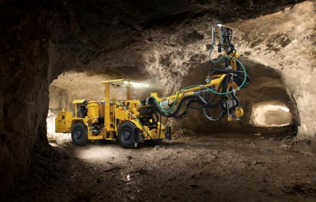 Boltec 235 bolting rig Bild: Atlas Copco