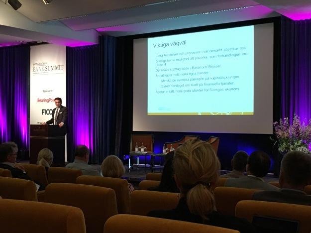 Bankföreningens vd Hans Lindberg vid SvD Bank Summit 2016. Foto: SIX News
