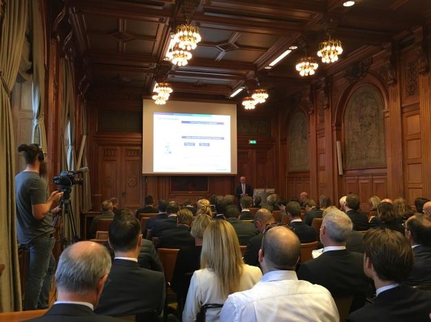 Handelsbankens VD Anders Bouvin presenterar delårsrapport. Foto: SIX News